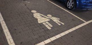 Mutter-Kind-Parkplatz